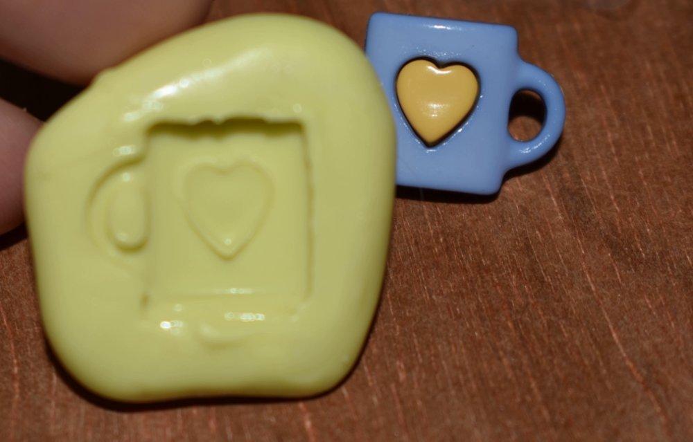 moule silicone cabochon tasse coeur resine epoxy , fimo,plâtre,chocolat