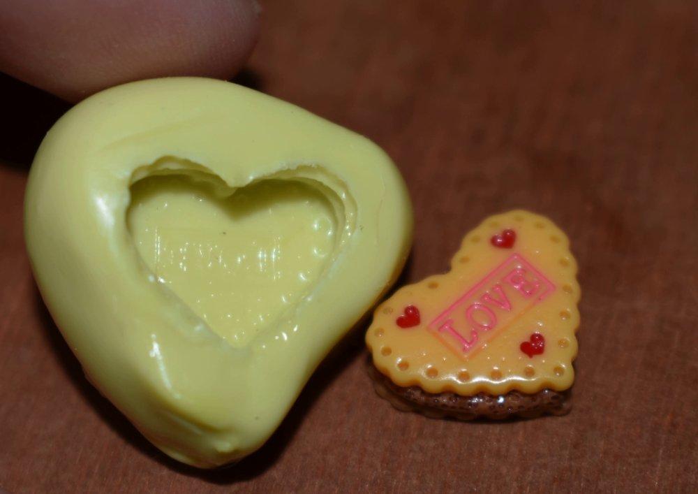 moule silicone cabochon gateau coeur love  resine epoxy , fimo,plâtre,chocolat