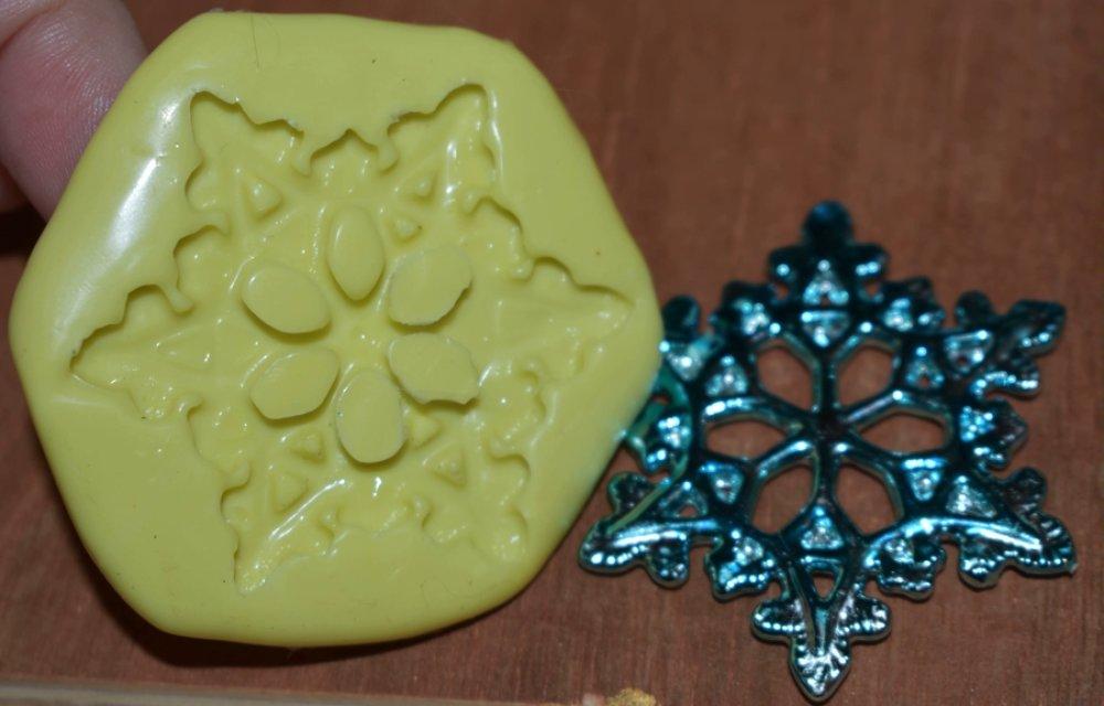 moule silicone cabochon étoile resine epoxy , fimo,plâtre,chocolat