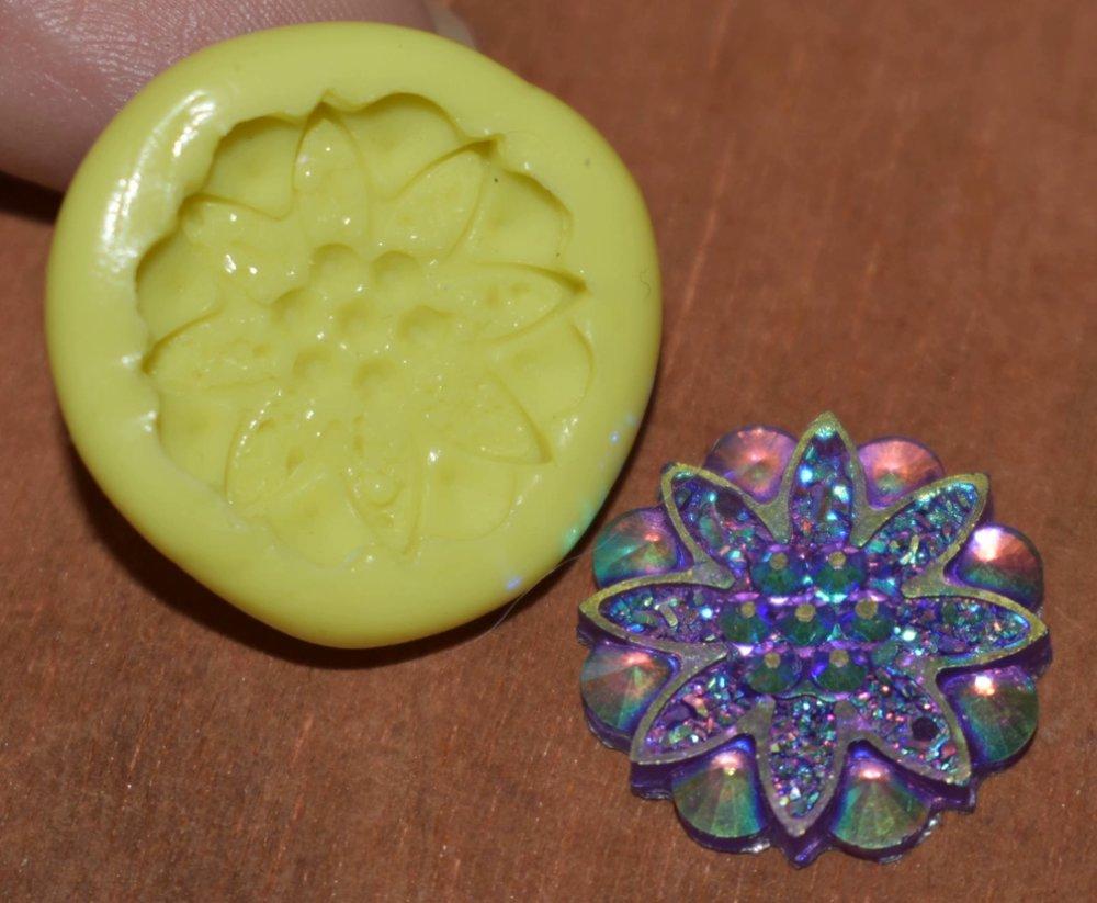 moule silicone cabochon fleur resine epoxy , fimo,plâtre,chocolat