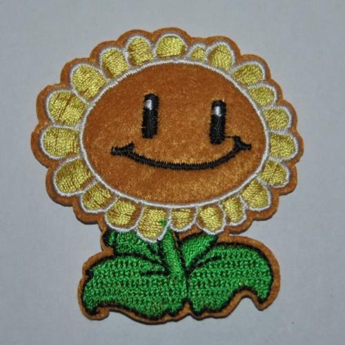 Patch fleur smiley écusson brodé thermocollant coutures
