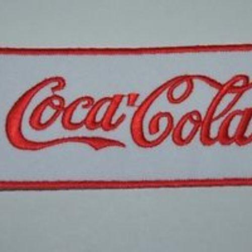 Patch coca cola rose écusson brodé thermocollant coutures