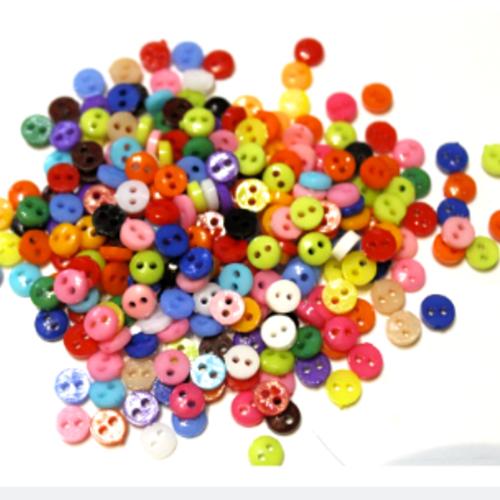 Lot de 80 petits  boutons coloris assortis 6 mm 2 trous, scrapbooking