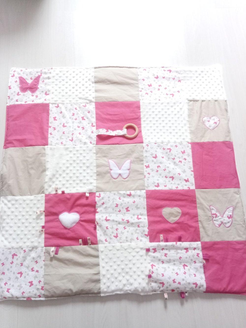 Tapis d'éveil ou de jeux patchwork papillons multimatières fille