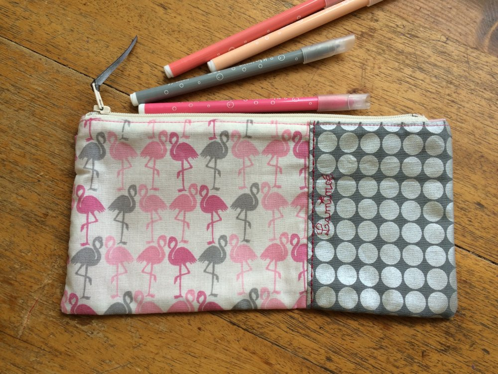 trousse plate flamands roses