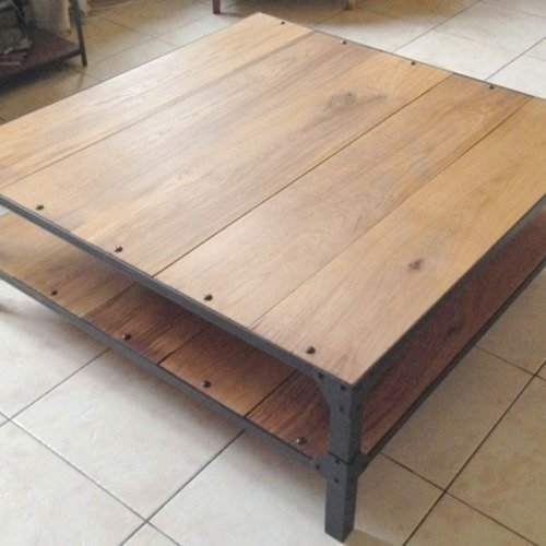 Table basse acier et chêne massif style loft