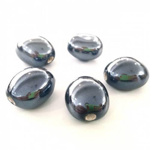 4 perles rondes plates galets 20mm verre VERT FONCE bandeau volute blanc dore
