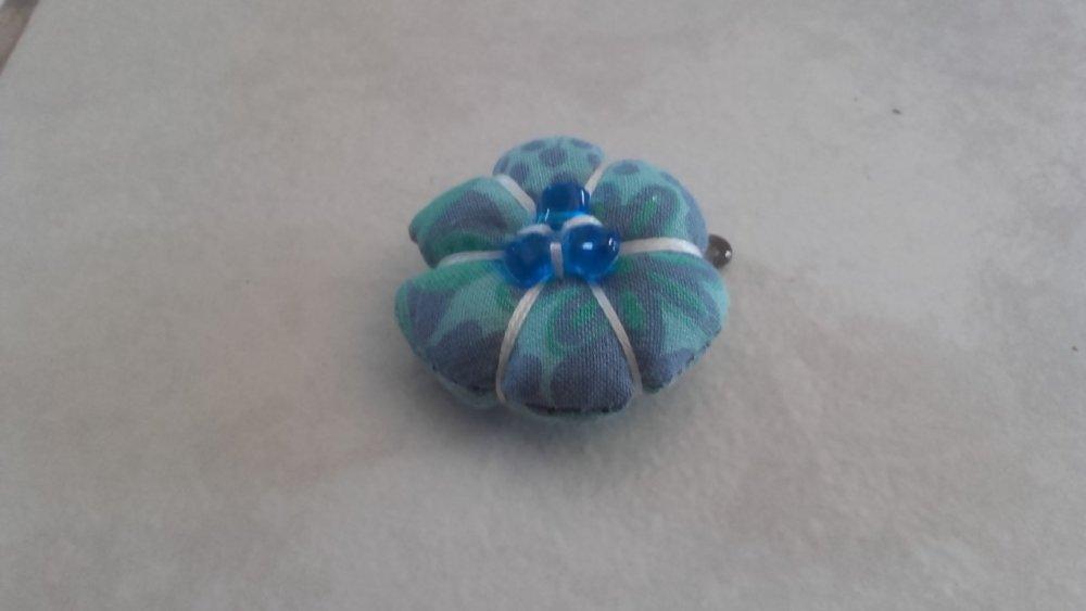 Barrette petite fille rétro fleur macaron bleu turquoise, cadeau original naissance ou petite fille.