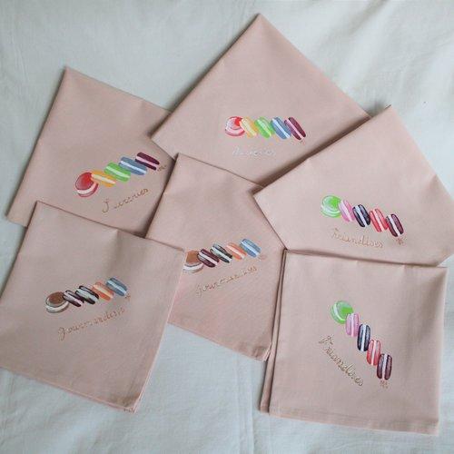 Serviettes de table peintes à la main en coton rose macarrons