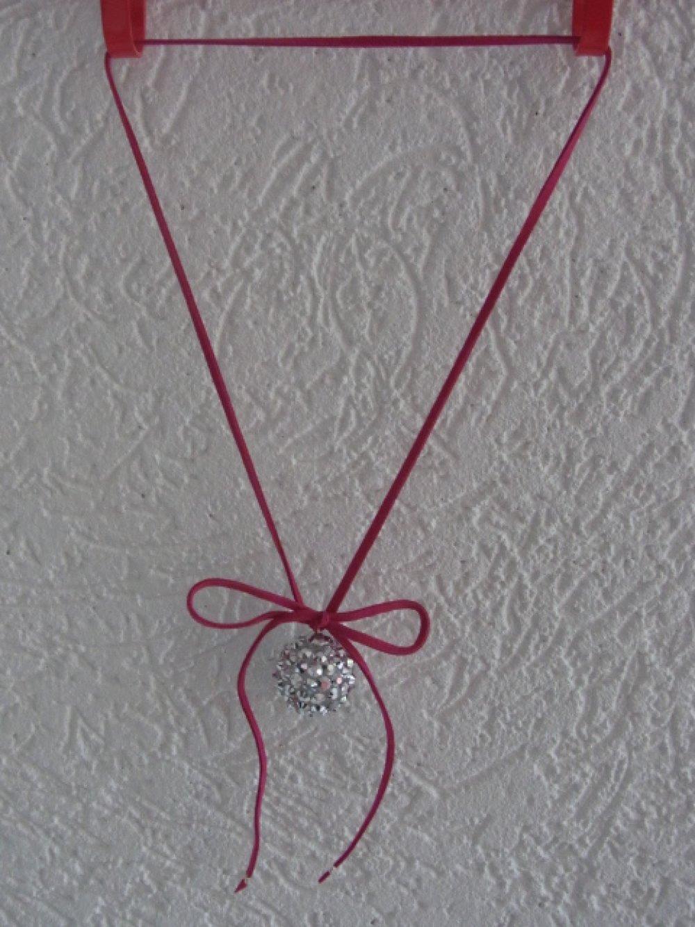 pendentif argenté et rose,bijou cadeau pour les fetes, sautoir rose et argent