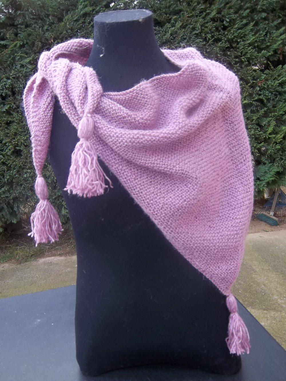 Châle/chèche, couleur rose/vieux rose, point mousse, tricoté main