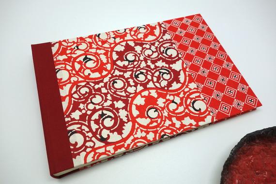 Album photo ou livre d'or en papier japonais rouge - album de naissance, de mariage...