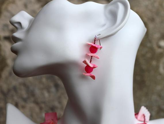 """Parure Collier Pendentif Quartz-Boucles d'Oreilles-Agate-Nacre-Cristal Swarovski en dégradé de rose Modèle """"Girly"""""""