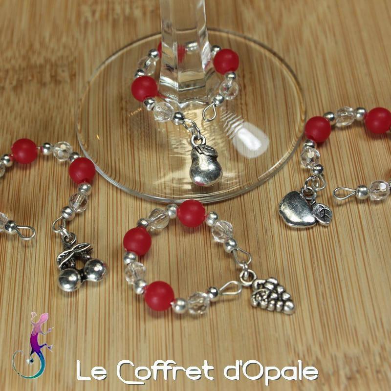 4 marque-verres aux couleurs de Noël pour faire la fête (pied de verre)
