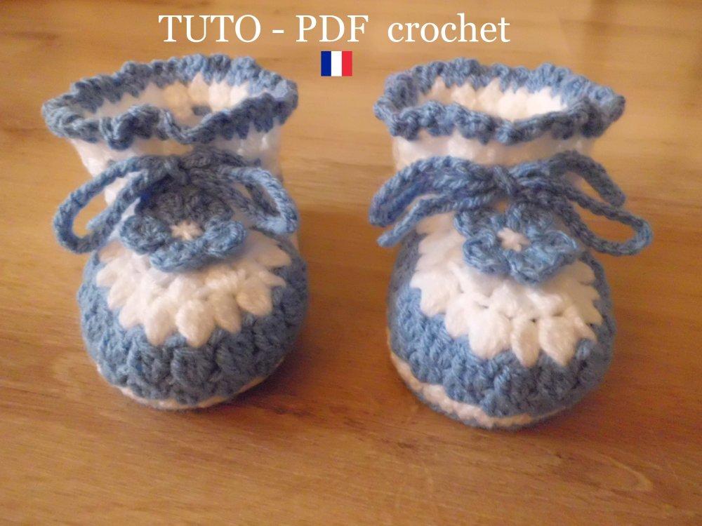 Pdf Crochet Chaussons Bébé Aux 2 Couleurs Orné Dune Lanière Et Dune Fleur De 3 à 12 Mois Facile à Réaliser