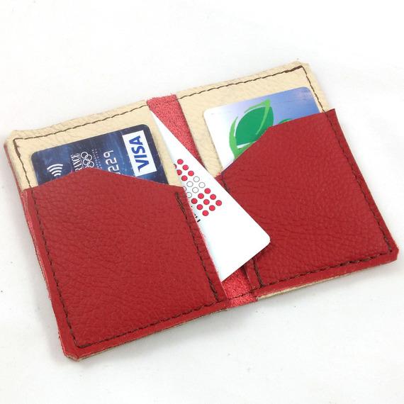 Porte-cartes bicolore en cuir rouge et crème couture marron