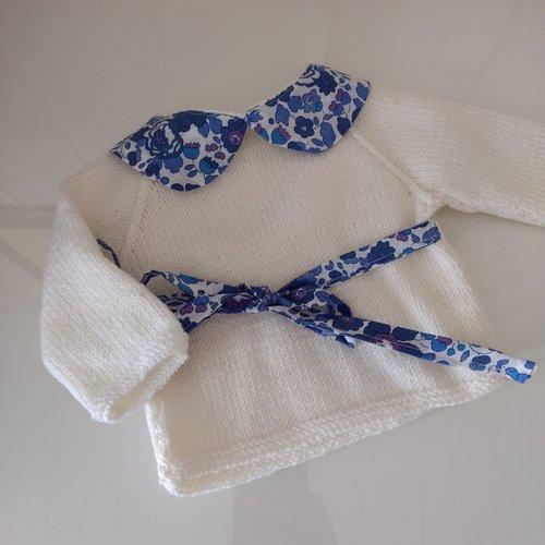 Brassière bébé laine mérinos blanche col claudine tissu liberty betsy lavande
