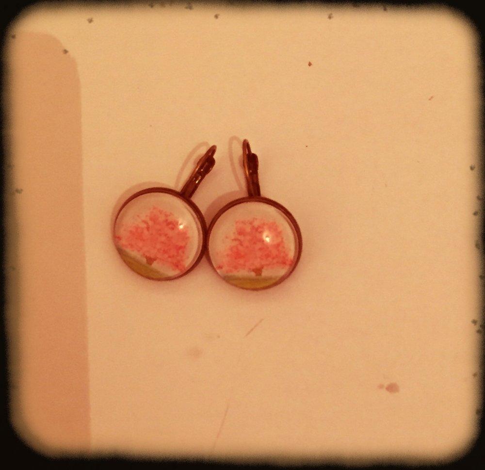 Boucles d'oreille, les arbres, arbres roses japonais