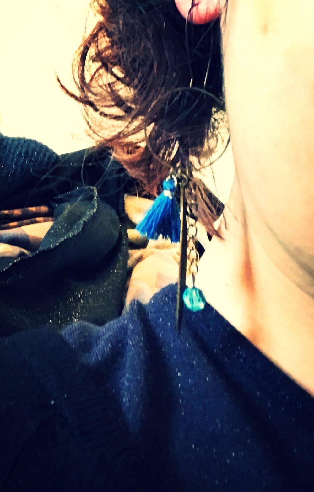 Boucles d'oreille, les bohèmes, pompon bleu