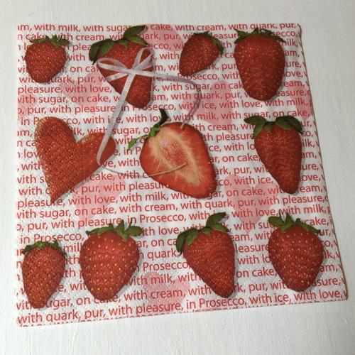 """Serviette papier pour serviettage """"fraises-coeur"""""""