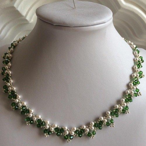 Collier en perles nacrees et cristal swarovski