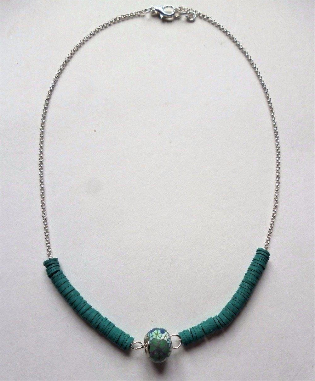 collier perles plates