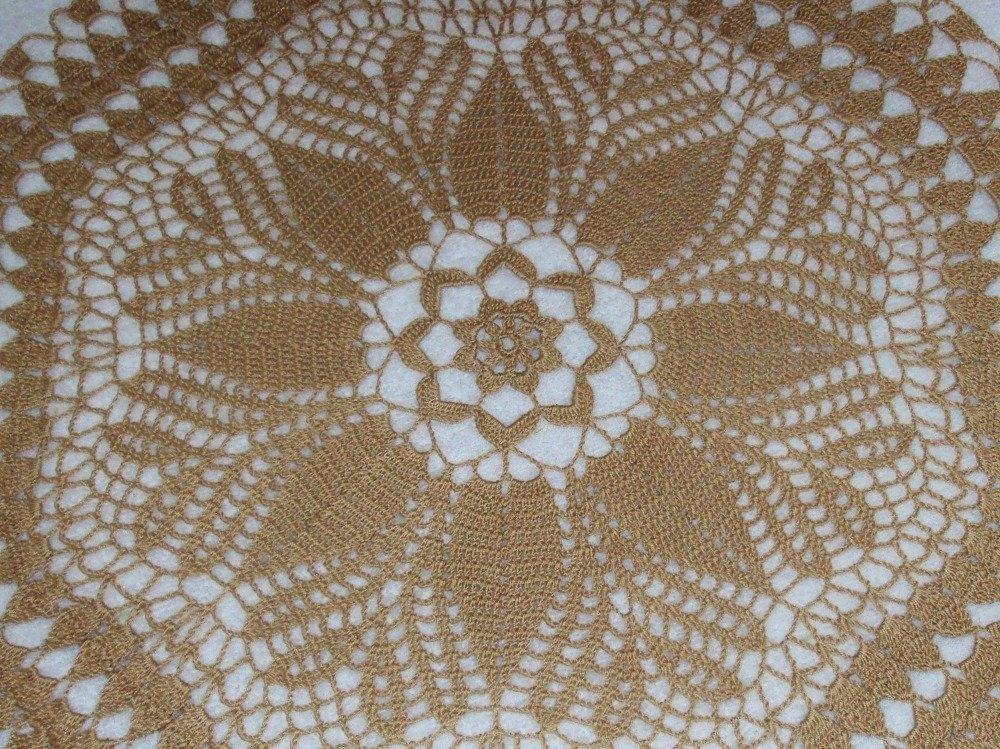 Napperon rond, couleur beige foncé, pain d'épice, diamètre 57 cm, fait main au crochet