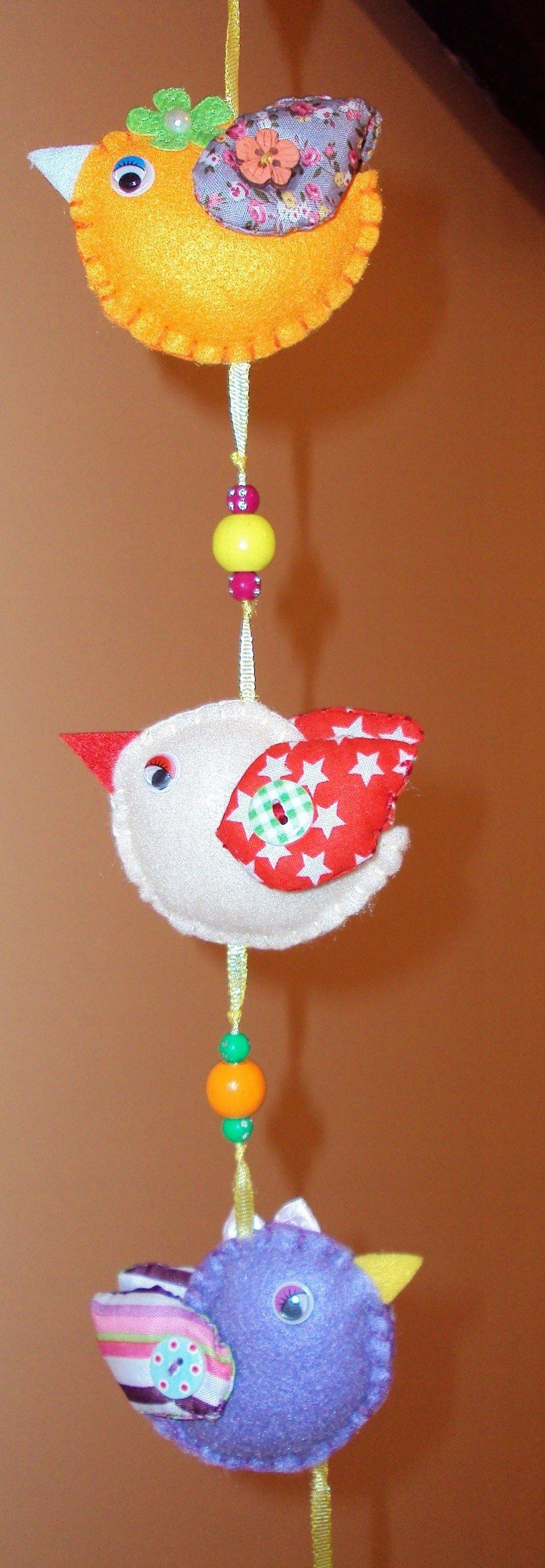 Maisonnette et ses oiseaux, déco à suspendre pour chambre d'enfant
