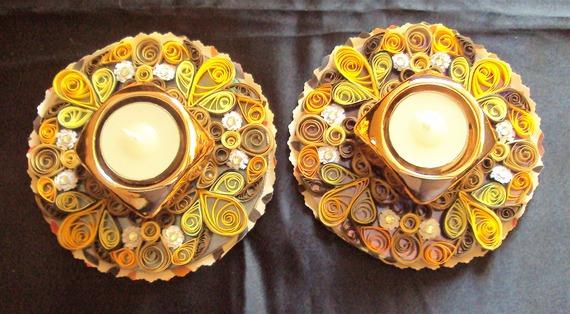 Photophore / Porte-bougie décoratif, couleur or, méthode quilling (papier roulé)