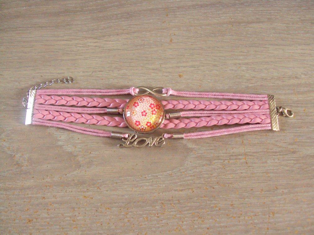 Bracelet manchette large, multi rangs avec cabochon dôme en verre et breloques