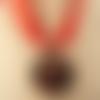 Collier, ras de cou avec pendentif en verre cabochon dôme