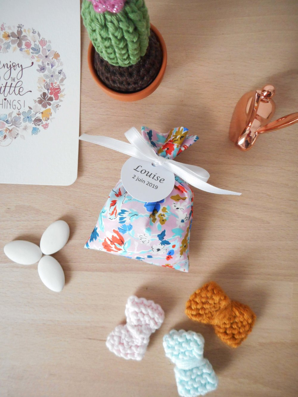 Ballotin à dragées Liberty California bloom c ruban blanc étiquette papier personnalisable