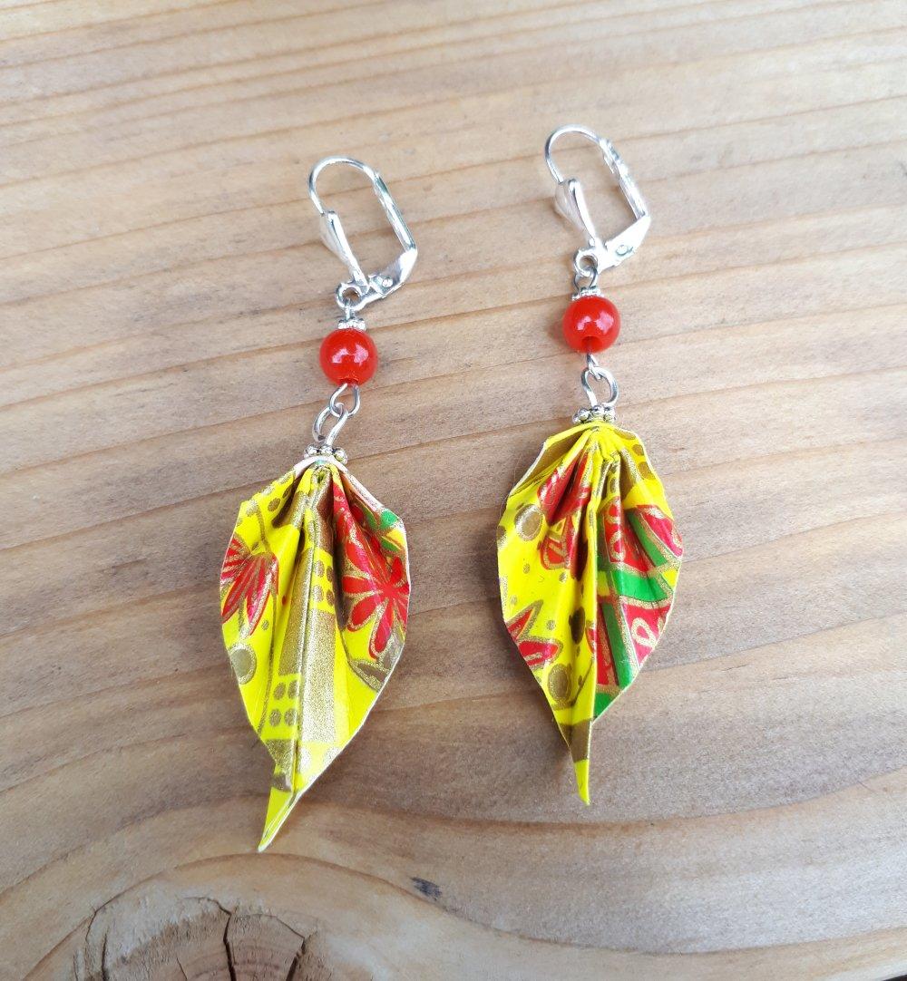 Couleur Avec Du Rouge boucles d'oreilles origami couleur jaune et rouge avec dormeuses