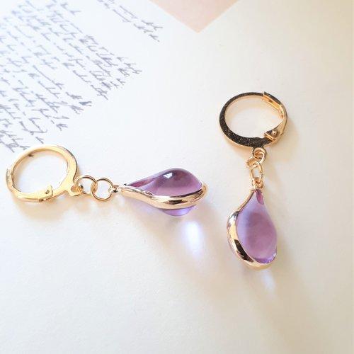 """Boucles d'oreilles """"lilas"""" gouttes en verre couleur mauve et dormeuses rondes en acier inoxydable or"""