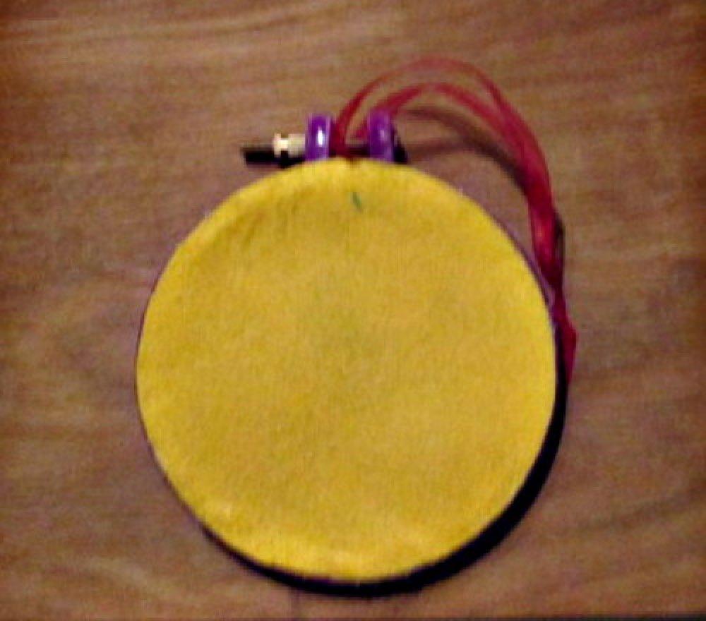 Décoration sur tambour à broder