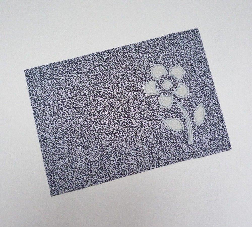"""Protège carnet de santé """"Fleur blanche"""""""