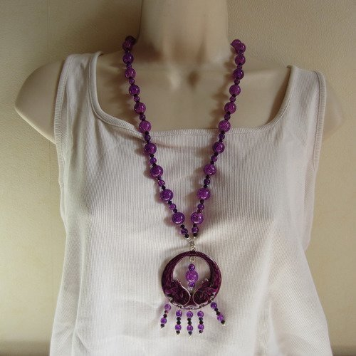 Collier sautoir violet avec pendentif en céramique