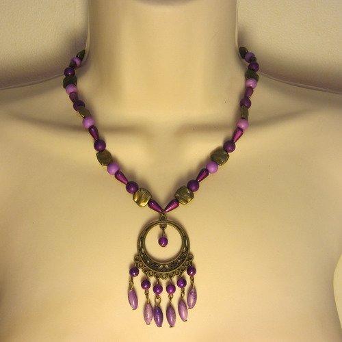 Collier violet et bronze avec pendentif