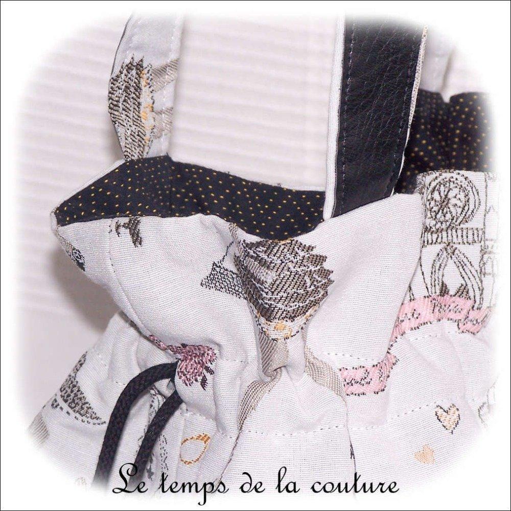 """Sac à main - Sac seau - Gris, noir, jaune et rose, motif """"Femme parisienne"""" - Fait main."""