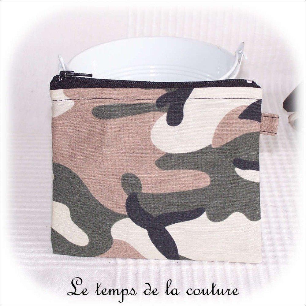 """Pochette porte monnaie, porte carte - zippée - Noir, kaki, marron et beige - """"Camouflage militaire"""" - Fait main."""