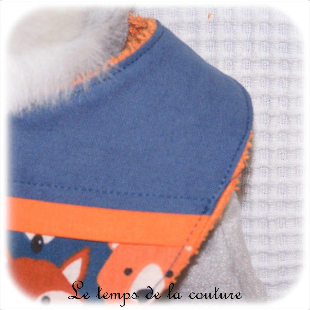 """Bavoir bandana - bavette foulard bébé - Bleu et orange """"ours et renard"""" - Fait main."""