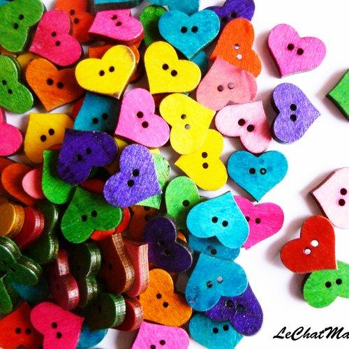 Lot de 15 boutons fantaisie en bois multicolores aléatoires 20 mm en forme de coeur