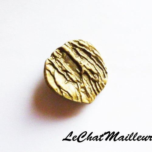Grand bouton bohème en métal couleur bronze irrégulier 29 mm original