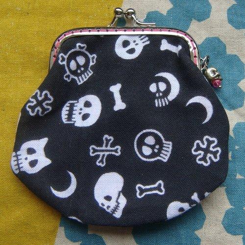 Porte-monnaie avec fermoir rétro skulls & bones