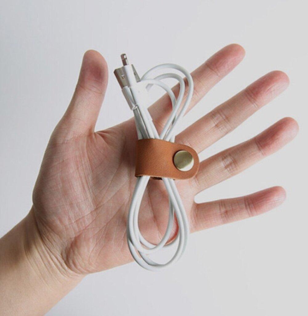 Attache câble / écouteurs marron effet vieilli