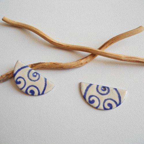 X2 sequins breloques demi lune bleu foncé et ivoire