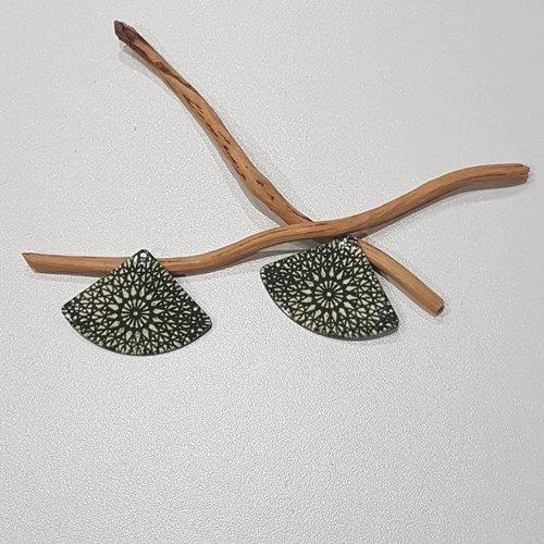 X 2 grand pendentifs éventails vert olive et ivoire