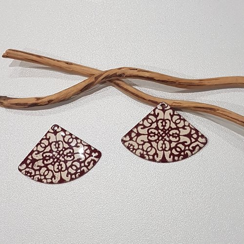 X 2 grand pendentifs éventails ivoire et rouge foncé