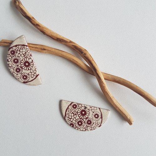 X2 sequins breloques demi lune rouge foncé et ivoire