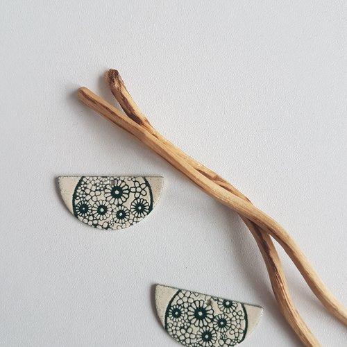 X2 sequins breloques demi lune vert foncé et ivoire
